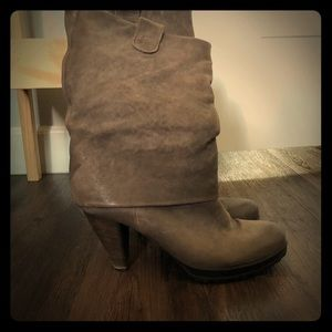 Shoes - Laura Taupe Brown Leather Mid Slouch size9